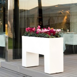 Muro Pot Vondom white Mat playground