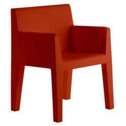 برز ثلم كرسي فوندوم الأحمر